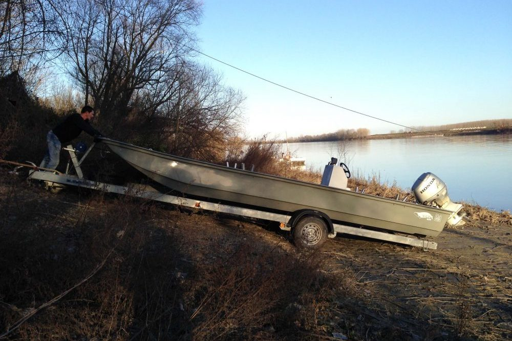 Waller Resort Polesella Boot-wird-geslippt-e1520702332467 Neues Boot endlich im Wasser