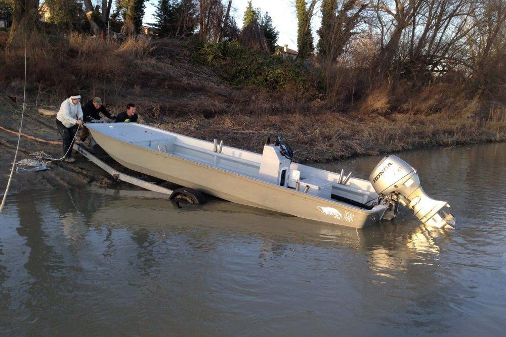 Waller Resort Polesella erste-Berührung-mit-dem-Wasser-e1520702232187 Neues Boot endlich im Wasser